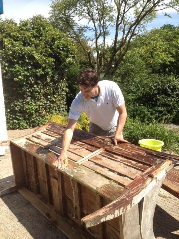 Gartenmöbel aus Teakholz: Pflege, Patina und Überwintern